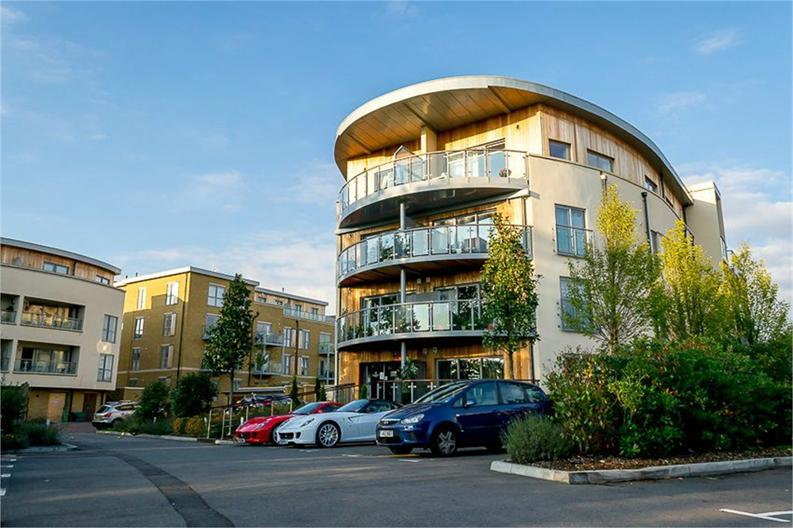 1 bedroom(s) apartment to sale in Braham Court, Blagrove Road, Teddington, Greater London-image 1