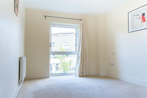 1 bedroom(s) apartment to sale in Braham Court, Blagrove Road, Teddington, Greater London-image 4