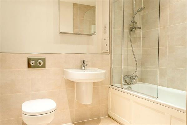 1 bedroom(s) apartment to sale in Braham Court, Blagrove Road, Teddington, Greater London-image 5