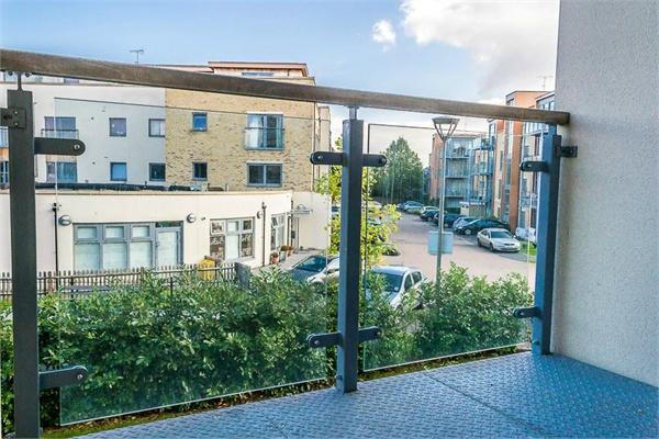 1 bedroom(s) apartment to sale in Braham Court, Blagrove Road, Teddington, Greater London-image 8