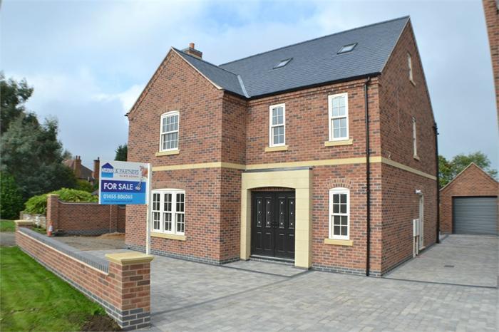 http://www.dezrez.com/estate-agent-software/ImageResizeHandler.do?PropertyID=3674547&photoID=1&AgentID=1373&BranchID=2192&width=700