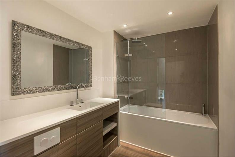 2 bedroom(s) apartment to sale in Osborne House, 17 Loxford Gardens, London-image 5