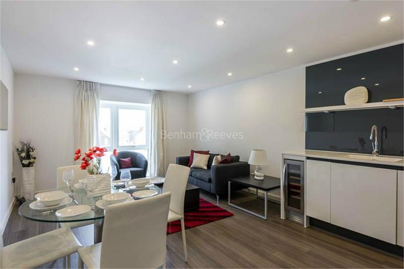 2 bedroom(s) apartment to sale in Osborne House, 17 Loxford Gardens, London-image 6
