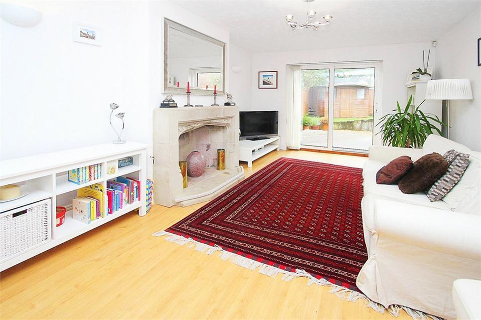 16ft living room