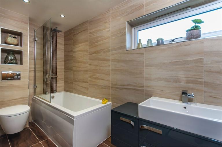 http://www.dezrez.com/estate-agent-software/ImageResizeHandler.do?PropertyID=4675947&photoID=7&AgentID=224&BranchID=333&width=768