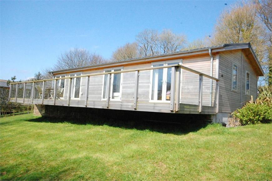 8 Lake View, Stonerush Lakes, Lanreath, Looe, Cornwall