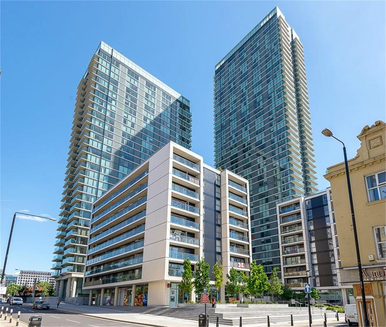 1 bedroom(s) apartment to sale in Landmark West, Tower 22 Marsh Wall, London-image 1
