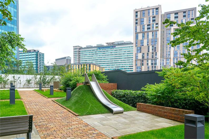 2 bedroom(s) apartment to sale in Vita Apartments, Caithness Walk, Croydon, Surrey-image 5