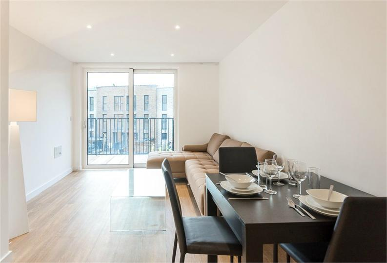 1 bedroom(s) apartment to sale in Royal Victoria Gardens, Whiting Way, London-image 2