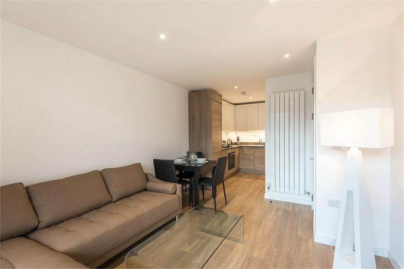 1 bedroom(s) apartment to sale in Royal Victoria Gardens, Whiting Way, London-image 3