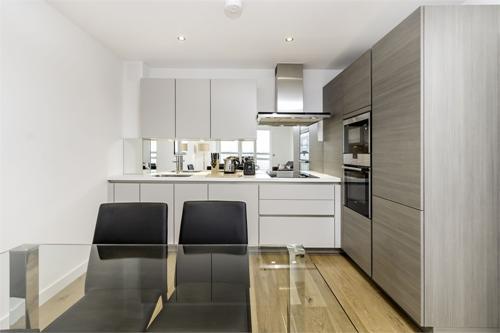 http://www.dezrez.com/estate-agent-software/ImageResizeHandler.do?PropertyID=4301957&photoID=1&AgentID=1307&BranchID=2081&width=500