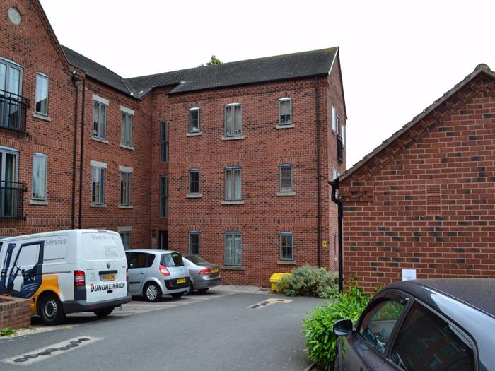 Weavers Court,  Trinity Lane,  HINCKLEY,  LE10