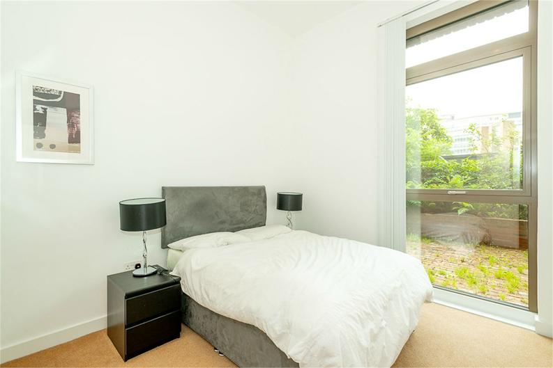 2 bedroom(s) apartment to sale in Vita Apartments, 1 Caithness Walk, Croydon, Surrey-image 3