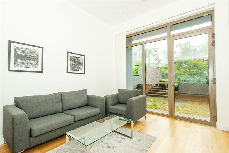 2 bedroom(s) apartment to sale in Vita Apartments, 1 Caithness Walk, Croydon, Surrey-image 4