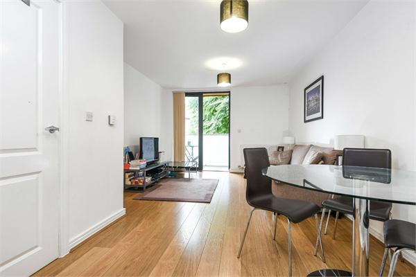 2 Annabel Close,  LONDON,  E14 6DP