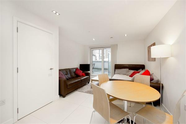 London property for sale. Ref No: 13184662. Picture no 2