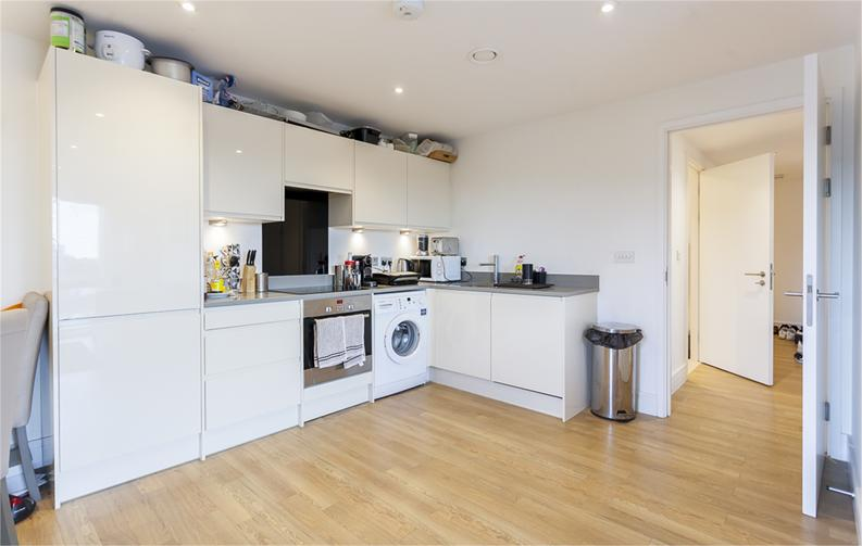 2 bedroom(s) apartment to sale in Hippersley Point, 4 Tilston Bright Square, London-image 4