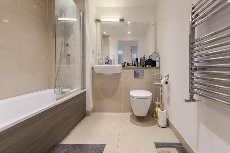 2 bedroom(s) apartment to sale in Hippersley Point, 4 Tilston Bright Square, London-image 5