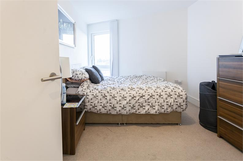 2 bedroom(s) apartment to sale in Hippersley Point, 4 Tilston Bright Square, London-image 6