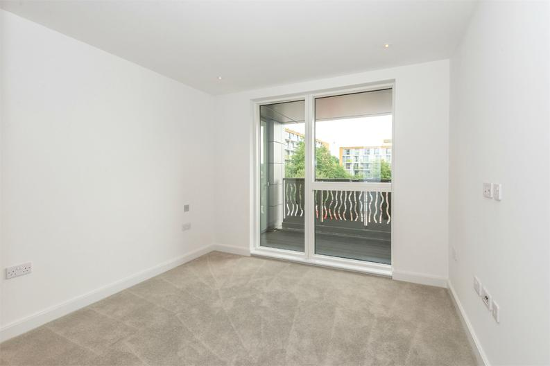 1 bedroom(s) apartment to sale in Cooper Court, Smithfield Square, High Street-image 11