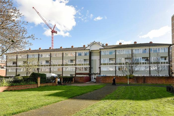 Carron Close,  London,  E14 6NN