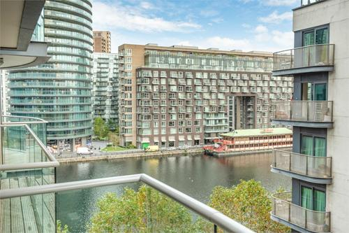 37 Millharbour,  LONDON,  E14 9HB