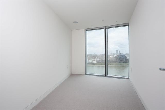 Vauxhall property for sale. Ref No: 13184709. Picture no 2