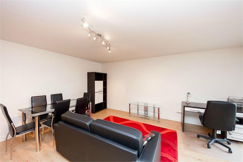 1 bedroom(s) apartment to sale in Amelia House, 11 Boulevard Drive, London-image 1