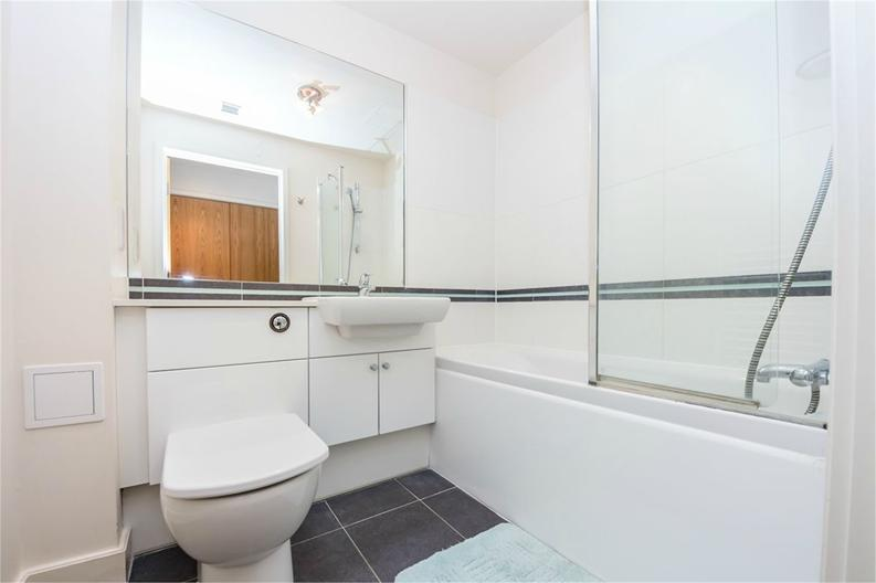 1 bedroom(s) apartment to sale in Amelia House, 11 Boulevard Drive, London-image 5