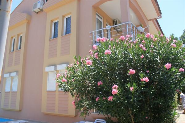 Attractive ground floor Two Bed Apartment for Sale