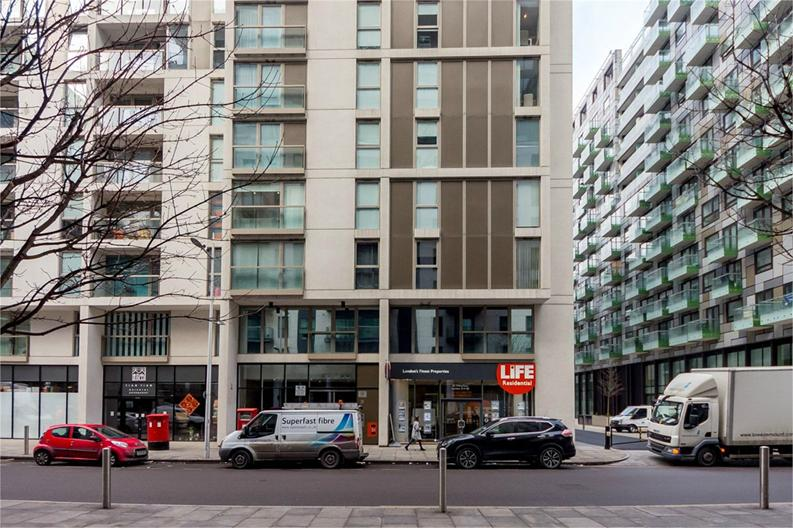 1 bedroom(s) apartment to sale in Cobalt Point, 38 Millharbour, London-image 6