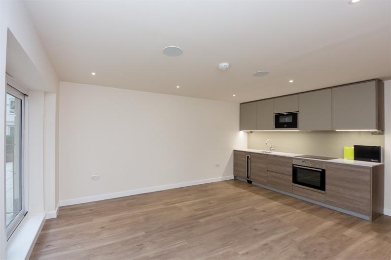 1 bedroom(s) apartment to sale in Golding House, 11 Beaufort Square, London-image 1
