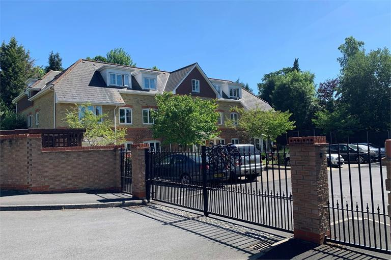 CAMBERLEY, £220,000