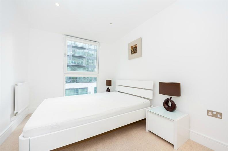 1 bedroom(s) apartment to sale in Cobalt Point, 38 Millharbour, London-image 3