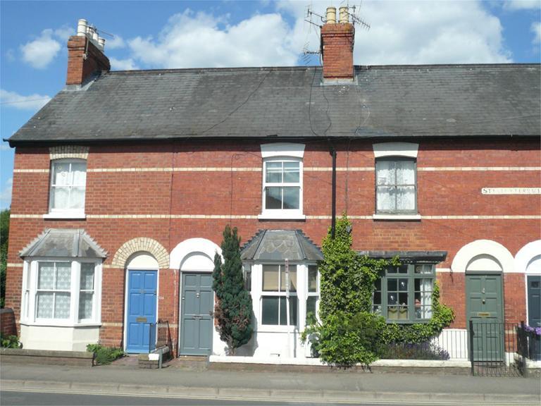 http://www.dezrez.com/estate-agent-software/ImageResizeHandler.do?PropertyID=4640716&photoID=1&AgentID=224&BranchID=333&width=768