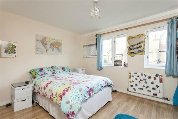 Se1 property for sale. Ref No: 13184670. Picture no 2