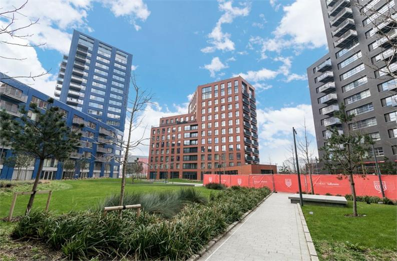 1 bedroom(s) apartment to sale in Bridgewater House, Orchard Place, London City Island-image 1