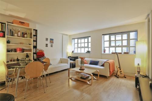 https://www.dezrez.com/estate-agent-software/ImageResizeHandler.do?PropertyID=3939976&photoID=1&AgentID=1307&BranchID=2081&width=500
