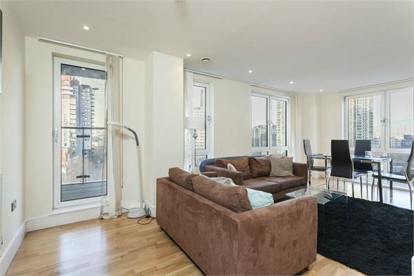 Canary Wharf property for sale. Ref No: 13184636. Picture no 2