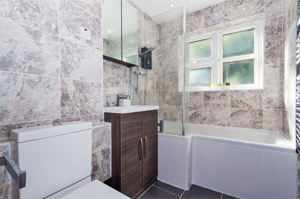 bathroom with u/f heating