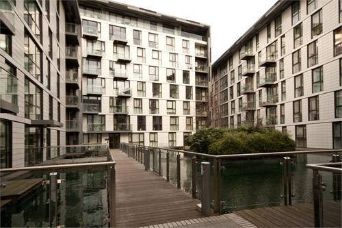 https://www.dezrez.com/estate-agent-software/ImageResizeHandler.do?PropertyID=4884538&photoID=1&AgentID=1307&BranchID=2081&width=500
