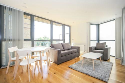 https://www.dezrez.com/estate-agent-software/ImageResizeHandler.do?PropertyID=4359697&photoID=1&AgentID=1307&BranchID=2081&width=500