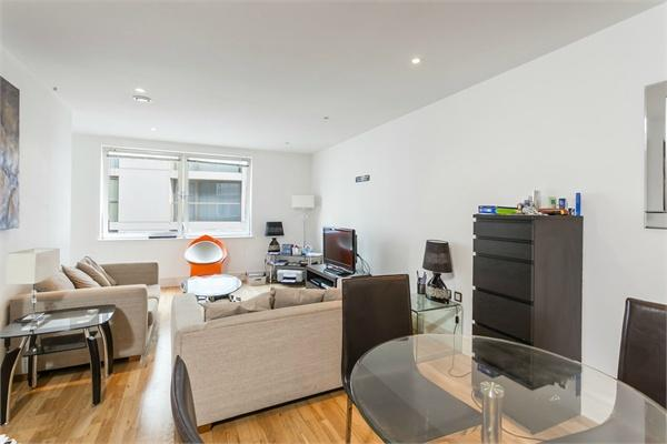 London property for sale. Ref No: 13184523. Picture no 2