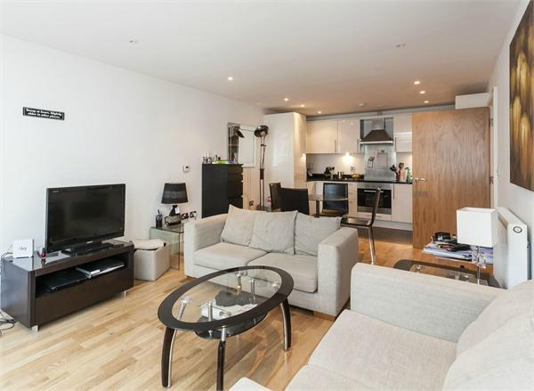 London property for sale. Ref No: 13184523. Picture no 3
