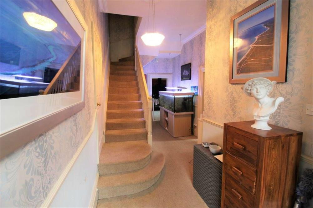 6 Bed Semi-Detached (House) for Sale