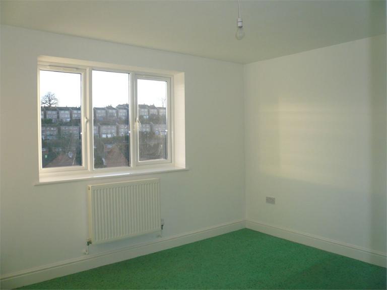 http://www.dezrez.com/estate-agent-software/ImageResizeHandler.do?PropertyID=4550110&photoID=6&AgentID=224&BranchID=333&width=768