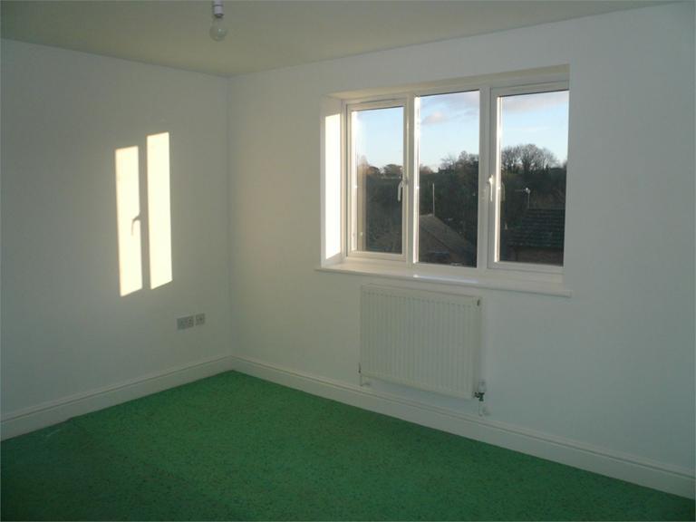 http://www.dezrez.com/estate-agent-software/ImageResizeHandler.do?PropertyID=4550110&photoID=8&AgentID=224&BranchID=333&width=768