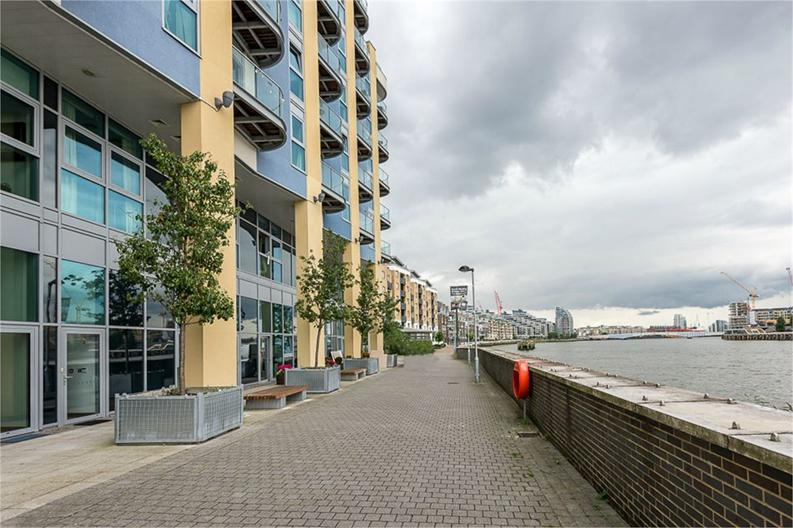 1 bedroom(s) apartment to sale in Vicentia Court, Bridges Court Road, London-image 1