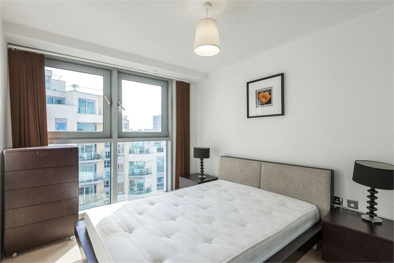 1 bedroom(s) apartment to sale in Vicentia Court, Bridges Court Road, London-image 3