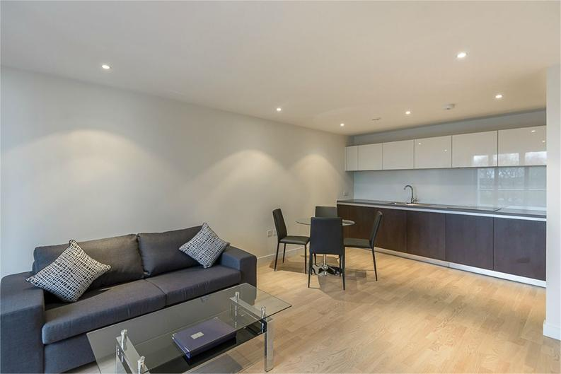 1 bedroom(s) apartment to sale in Aitons House, Pump House Crescent, Brentford, Greater London-image 2